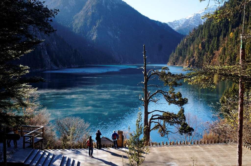 Длинное озеро утром, Цзючжайгоу, Китай