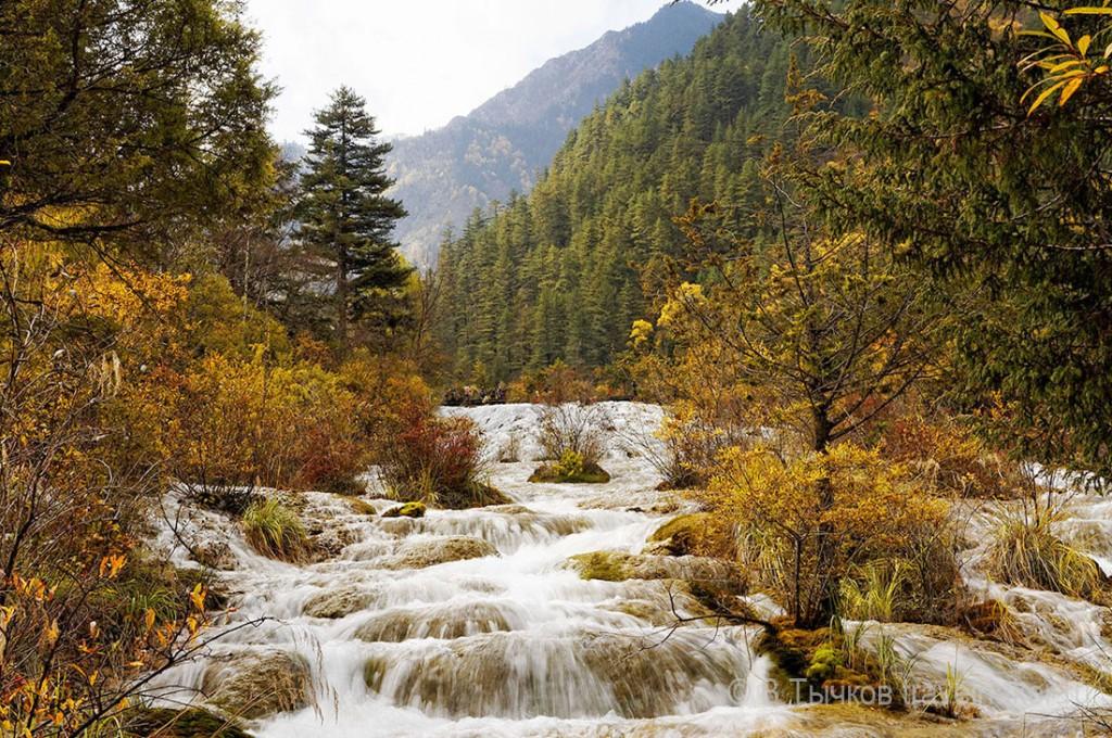 жемчужина водопад цзючжайгоу китай
