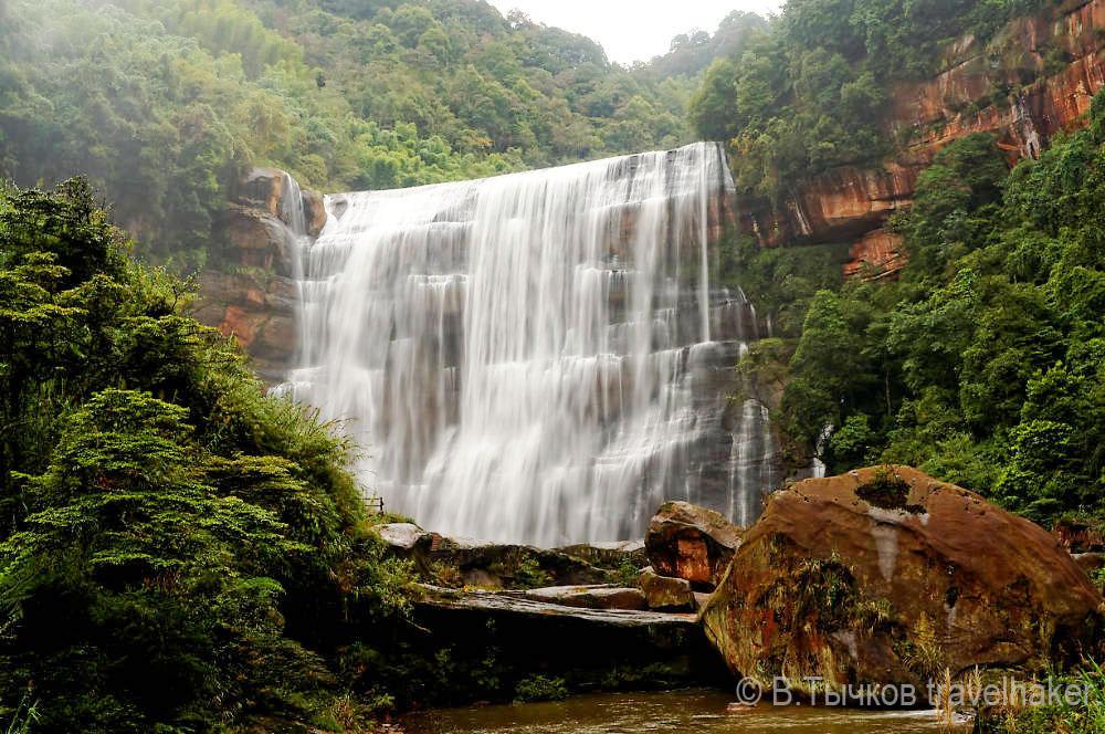 водопад шижандонг китай чишуи