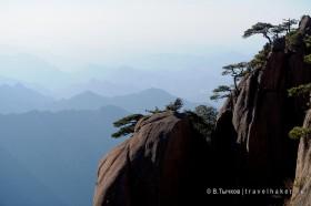 дымка в горах хуаншань китай фото