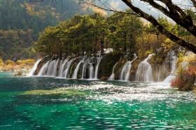 водопады в долине цзючжайгоу китай